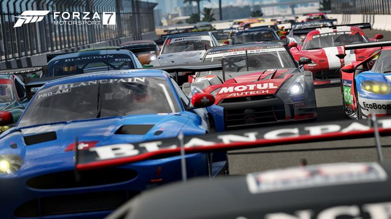 60fps χωρίς lag, ακόμα και σε online αγώνες με 24 αυτοκίνητα.