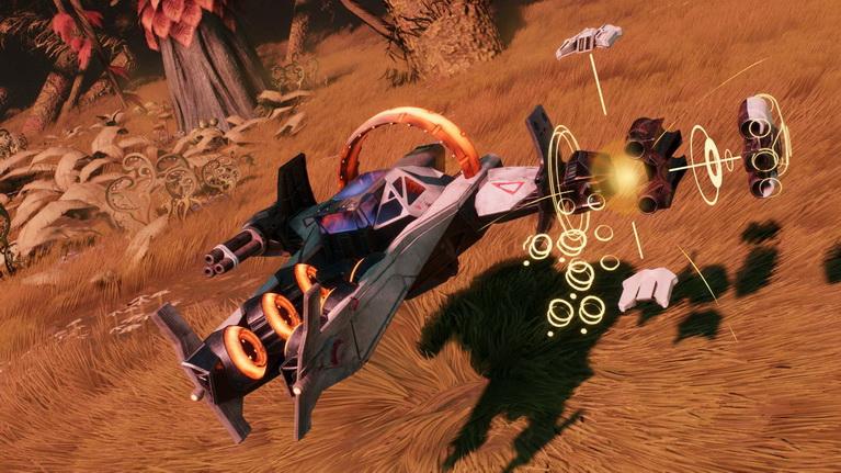 Με το που αλλάζετε όπλα ή προσθέτετε κομμάτια του σκάφους στο toy, εμφανίζονται άμεσα μέσα στο παιχνίδι χωρίς να κάνετε καν παύση.