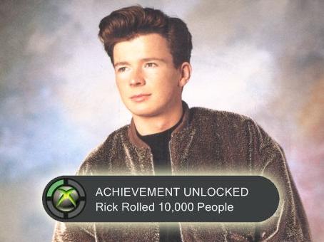 O Rick Astley... κολυμπάει στα achievements!