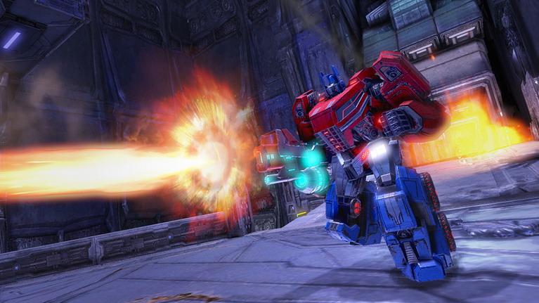 Ο επιβλητικός Optimus Prime.