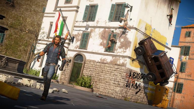 Η απελευθέρωση βάσεων και πόλεων αποτελεί μία από τις πιο εθιστικές δραστηριότητες στο παιχνίδι.
