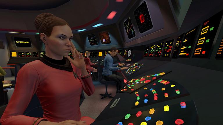 Όταν επιλέξετε τη γέφυρα του κλασικού Enterprise, αντί για οθόνες έχετε άπειρα πολύχρωμα φωτάκια.